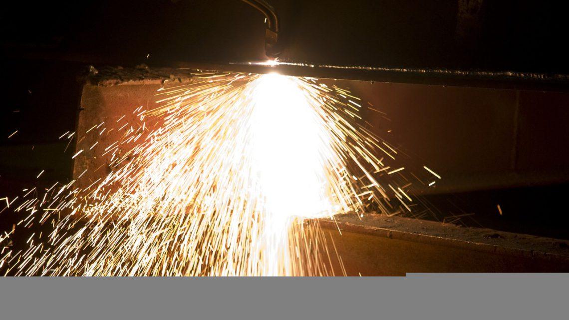 Gdzie i jak wykonać wycinanie CNC?